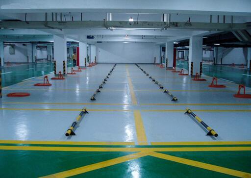 地下停车场.